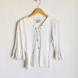 Moon River White Top Sz XS Cream Ruffle 3/$30   A